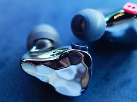Auriculares en la oreja para DJs